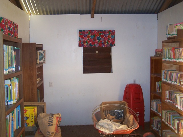 This is the existing library at the after school center called the Heart House we visited in Belize. When we return the week of December 9th of 2013 we will augment the collection with 600 more children's books.